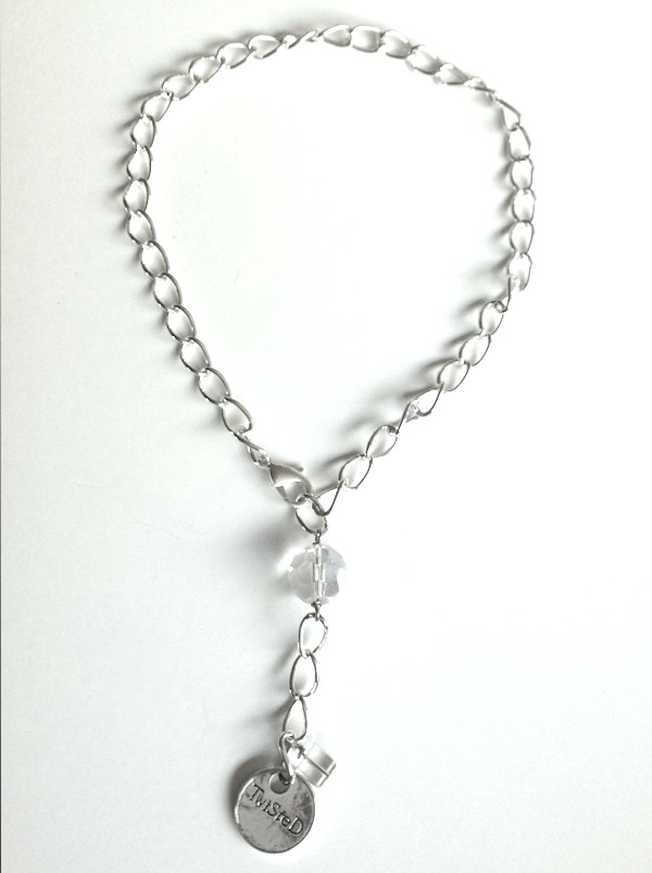 Free exclusive Mother's Day necklace with $50 purchase May 4-10